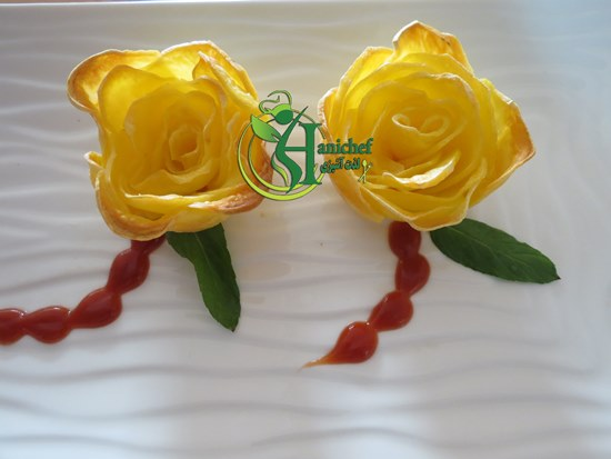 IMG 3137 1 آشپزی: دورچین سیب زمینی به شکل گل رز